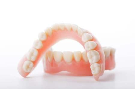 総入れ歯の特徴