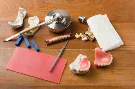 部分入れ歯の構造・素材について