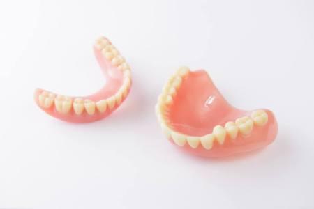 咀嚼・嚥下障害により入れ歯が不安定になる原因とは?